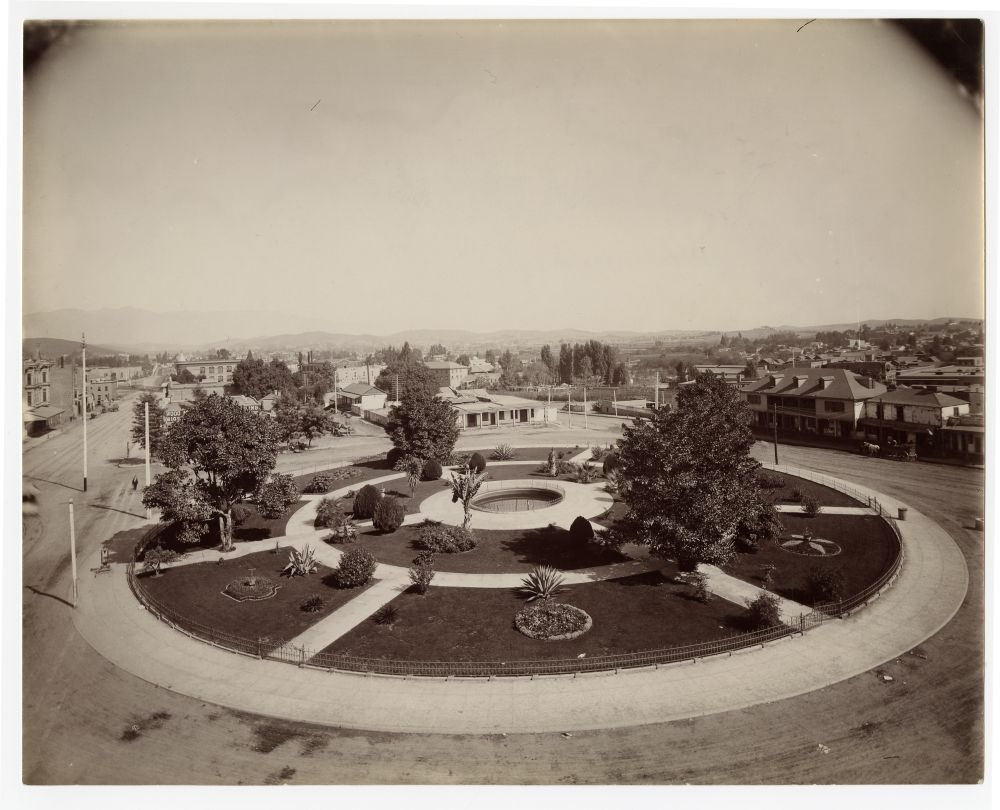 John R. Putnam and Carlton O. Valentine views of Los Angeles