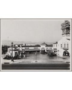 Drive-in market, northeast corner of Wilshire Blvd and Hamilton Drive