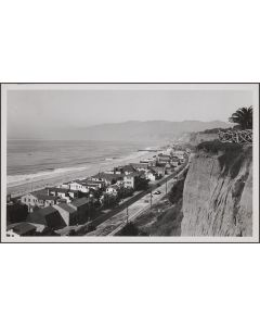 Looking toward beach from west of Montana Ave, Santa Monica
